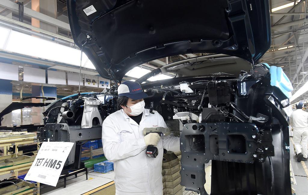 Chiny. PMI dla przemysłu zaskoczył. Na zdjęciu: fabryka w Wuhan, 28 marca 2020 rok.