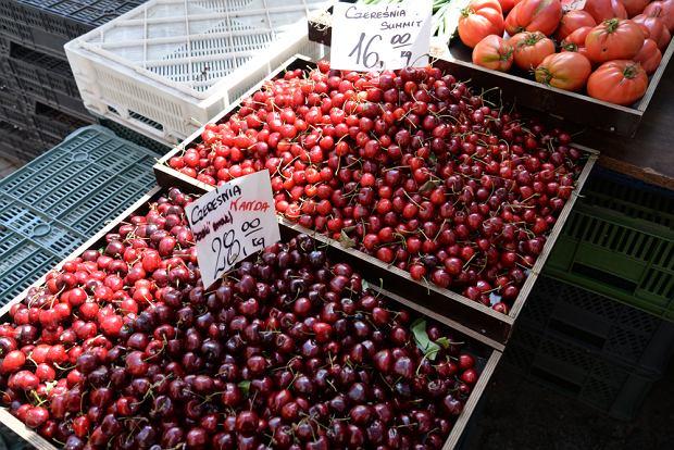 Gruszki podrożały o 30 proc, a jabłka prawie dwukrotnie. Skąd takie podwyżki owoców? Sprawdzamy