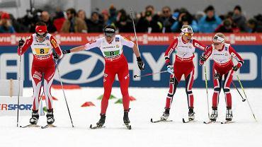 po biegu Justyny Kowalczyk Paulina Maciuszek jako pierwsza rusza na trzecią zmianę sztafety podczas MŚ 2013