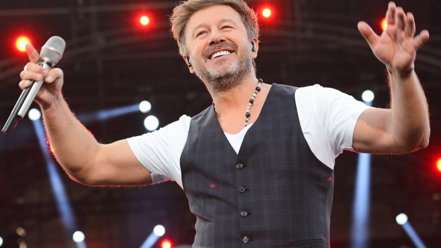 Andrzej Piaseczny zaśpiewał o miłości do