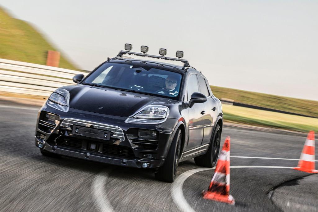 Elektryczne Porsche Macan podczas pierwszych testów