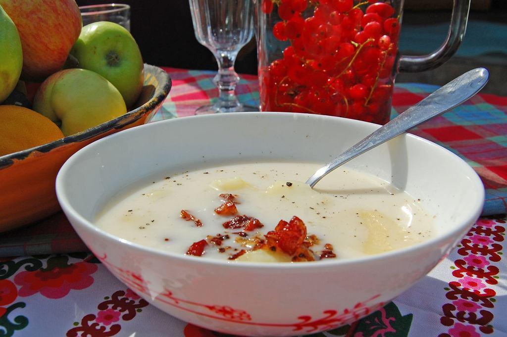 Zalewajka - tradycyjna prosta, pożywna zupa.