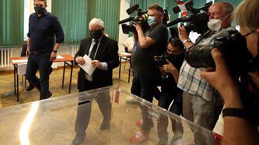 W komisji wyborczej na Żoliborzu swój głos oddał prezes PiS Jarosław Kaczyński.