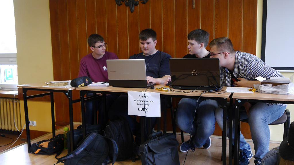 Mistrzostwa Białegostoku w programowaniu zespołowym szkół ponadgimnazjalnych, które już po raz 7 odbyły się w I Liceum Ogólnokształcącym w Białymstoku