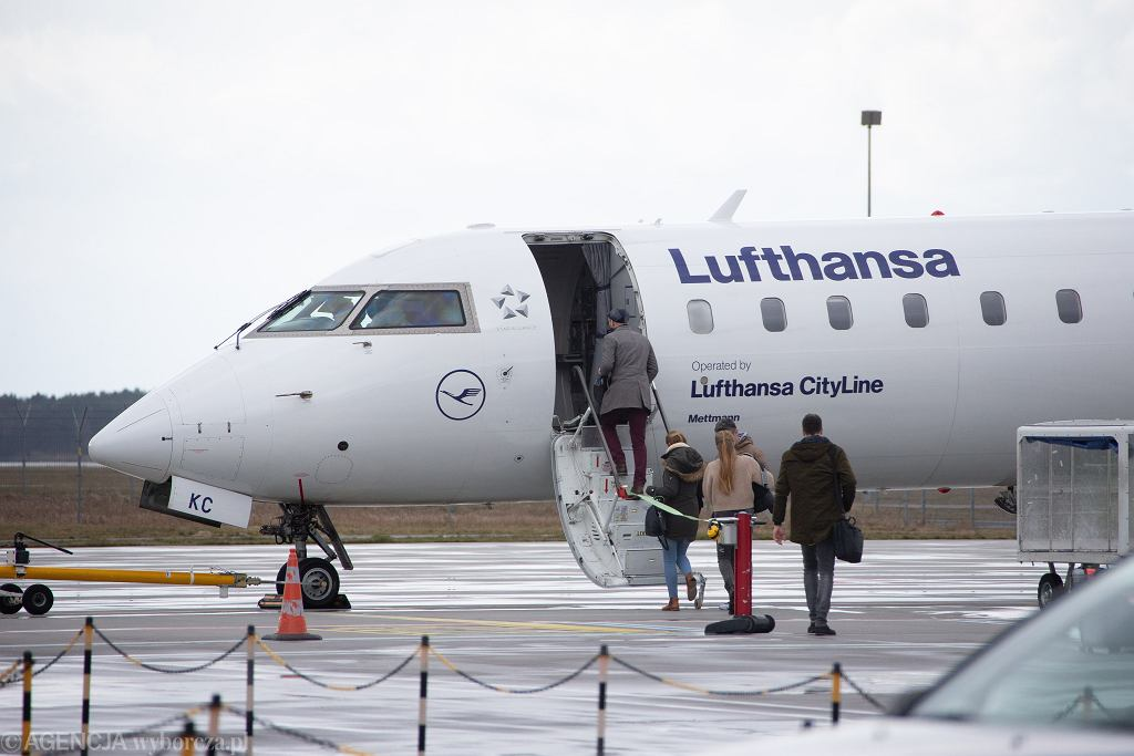 Lufthansa kontynuuje zwolnienia