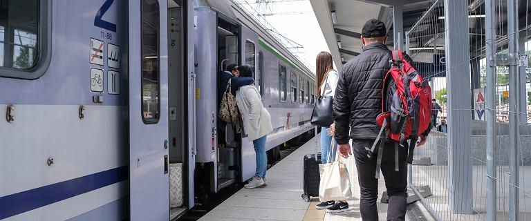 """Co dalej z koleją w Polsce? """"Po liniach, które odbudowano za grube miliony, jeżdżą później cztery pary pociągów"""""""