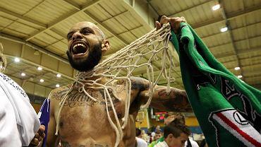 Koszykarze Legii pierwszy raz od 10 lat wywalczyli awans do I ligi. W piątek w decydującym meczu w hali na Bemowie pokonali Noteć Inowrocław 66:51