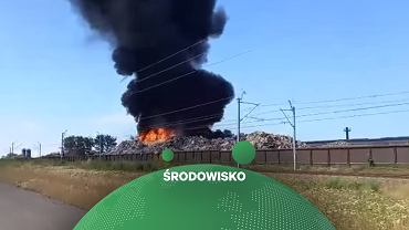 Pożar składowiska odpadów i złomu w Przysiece Polskiej