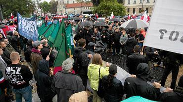 Pikieta ONR przeciwko uchodźcom.  Wrzesień 2015, Lublin (zdjęcie ilustracyjne)