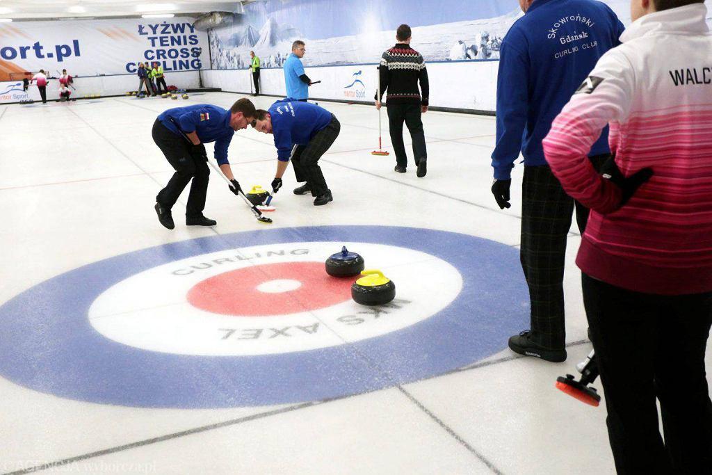 Toruń Mentor Cup 2015 - zawody curlingowe na lodowisku Mentor Sport
