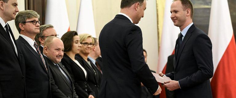 CBOS: Afera KNF podważyła zaufanie Polaków do Komisji i NBP
