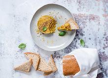 Pasta z kaszy gryczanej z kurkumą i chlebek gryczany na zakwasie - ugotuj