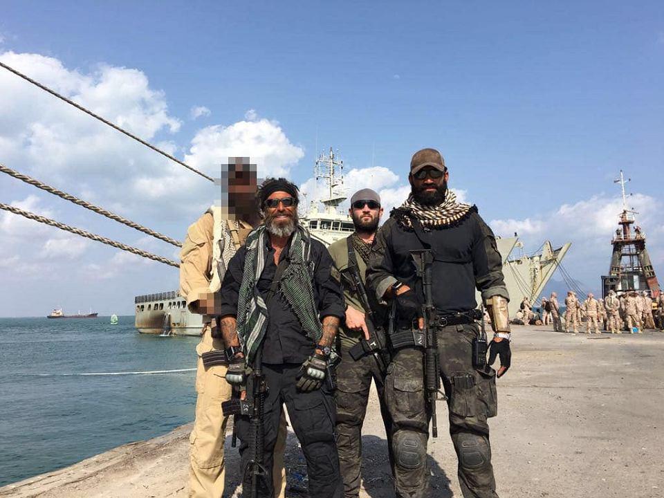- W Jemenie istniał program celowanych zamachów, ja nim kierowałem - twierdzi Abraham Golan, amerykański Żyd, właściciel firmy Spear Operations Group (na zdjęciu drugi z lewej).