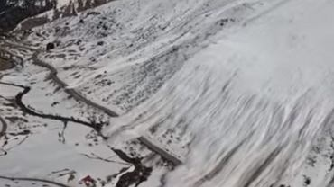 Potężna lawina śnieżna