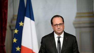 Zamach w Paryżu. W sobotę tuż przed 11.00, po raz trzeci w ciągu kilkunastu godzin, prezydent François Hollande wystąpił w telewizji