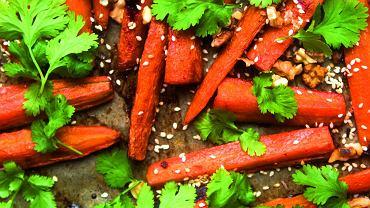 Pieczona marchewka - przepis na wegańską przekąskę