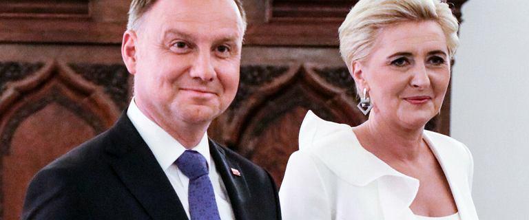 Paparazzi przyłapali Andrzeja Dudę i jego żonę pod osłoną nocy. Prezydent bez maseczki