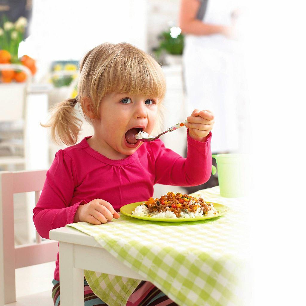 Rodzice decydują, co dziecko dostanie do jedzenia, ale to dziecko decyduje, czy zje i ile zje.