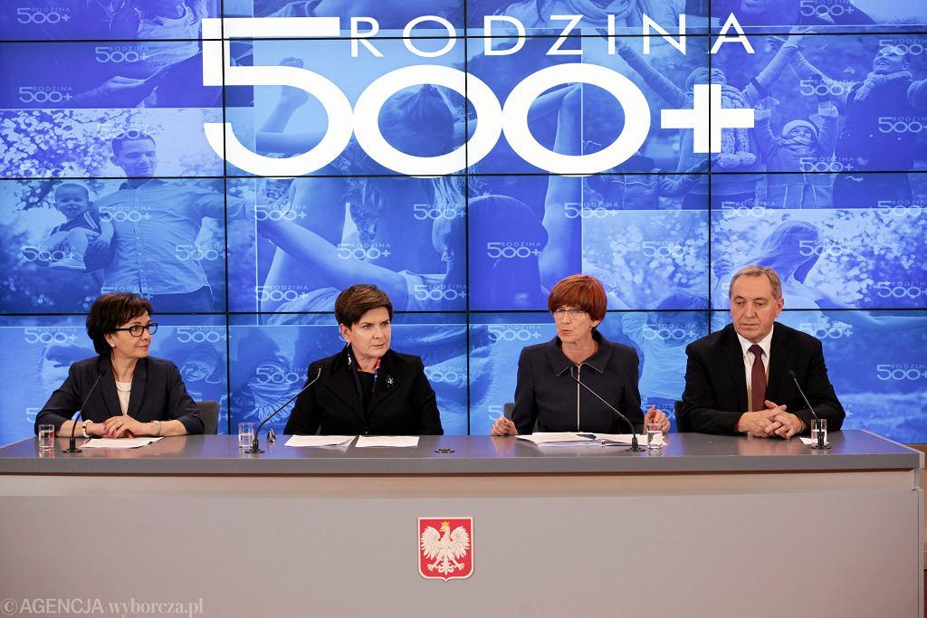 Konferencja premier Beaty Szydło po posiedzeniu rządu
