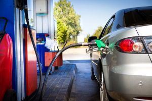 Galopada cen paliw na święta. Już zdrożały, a zdrożeją jeszcze bardziej