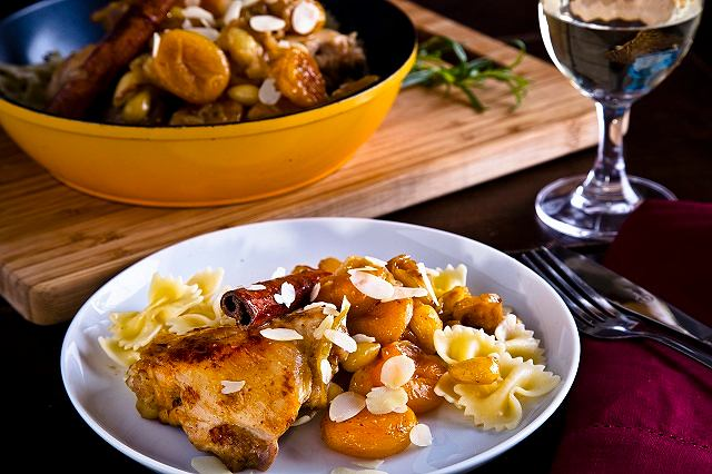 Tagine z kurczaka z makaronem kokardki Lubella