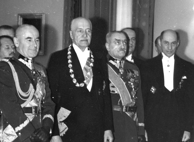 Składanie życzeń noworocznych prezydentowi RP Ignacemu Mościckiemu na Zamku Królewskim w Warszawie 8.01.1939 r.