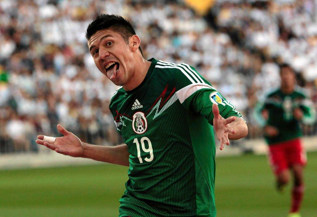 Meksyk awansował na MŚ. Na zdjęciu Oribe Peralta po strzeleniu gola Nowej Zelandii