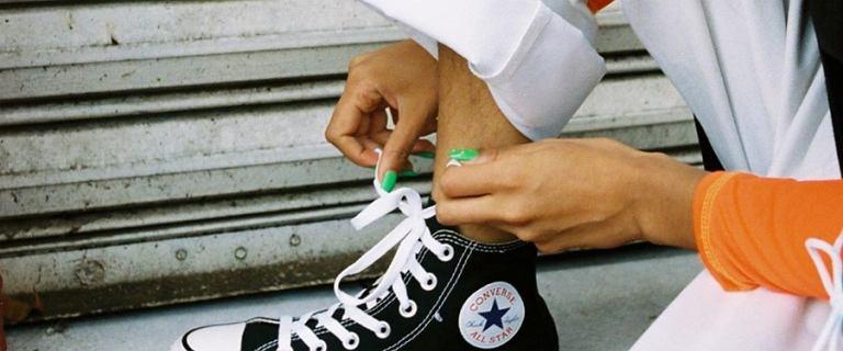 Wielka wyprzedaż sneakersów Converse. Flagowe modele dużo taniej!