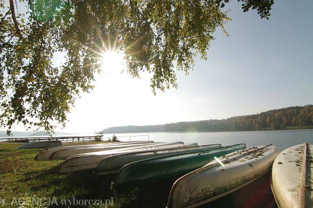 Jezioro Bachotek w Brodnickim Parku Krajobrazowym