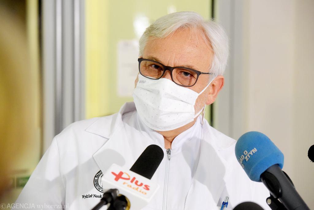 Resort zdrowia zajmuje się badaniami prof. Maksymowicza. Andrusiewicz: Odpowiedź nie rozwiewa wątpliwości