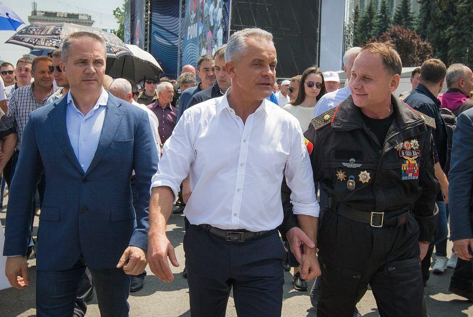 W Mołdawii w piątek skończyła się era miliardera Władimira Plahotniuka, który trzymał w garści mołdawskie banki, media i sądownictwo