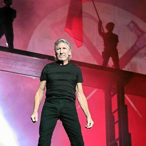 Roger Waters podczas inscenizacji 'The Wall' na Stadionie Narodowym w Warszawie