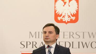 Minister sprawiedliwości w rządzie PiS Zbigniew Ziobro podczas konferencji w resorcie. Warszawa, 12 lutego 2019