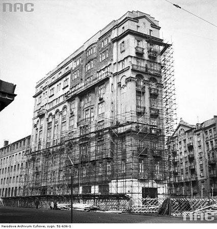 Kamienica Kacperskich w latach 1955-1956.