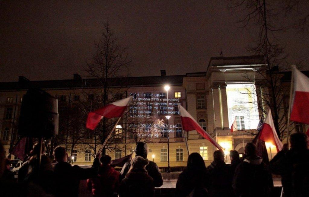 Protest Razem przed KPRM (fot. Dawid Żuchowicz/AG)