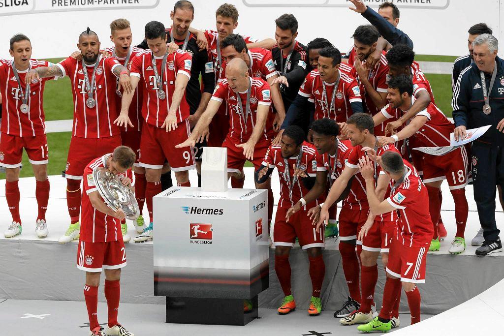 Bayern Monachium wygrał w ostatniej kolejce Bundesligi z Freiburgiem 4:1 i rozpoczął świętowanie mistrzostwa Niemiec. Wielka feta była jednak w cieniu pożegnań Philipa Lahma, Xabiego Alonso i Toma Starke.