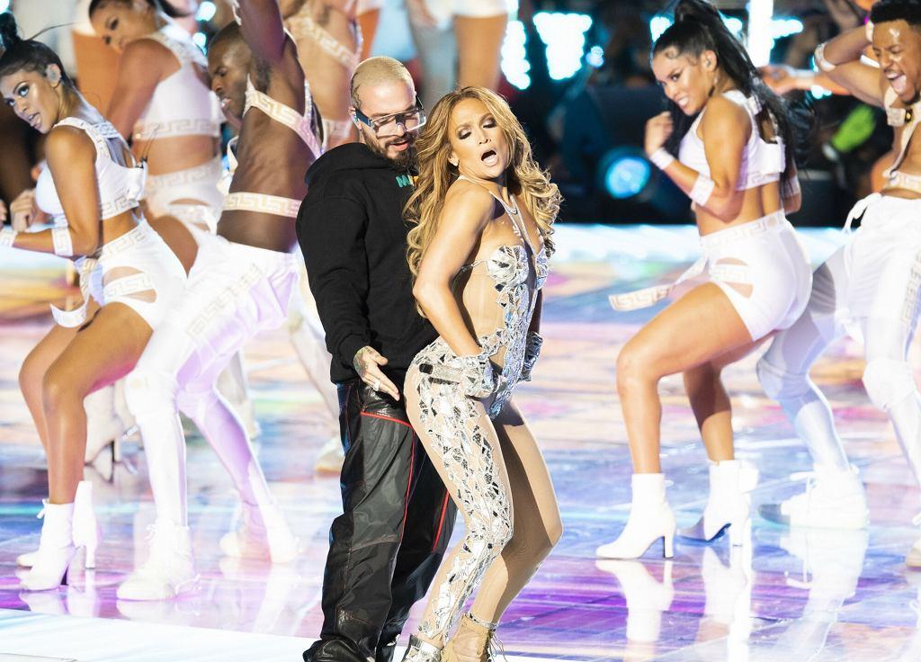 Jennifer Lopez i Klaudia Antos na scenie Superbowl