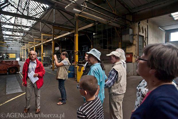 Zdjęcie numer 2 w galerii - Zwiedzali 150-letnią fabrykę obrabiarek na Wilczaku [ZDJĘCIA]
