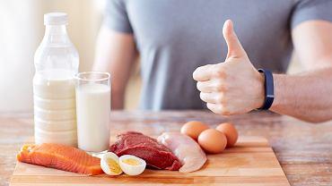 W ciągu 2 godzin po treningu najkorzystniej jest spożyć posiłek złożony z białek i węglowodanów. Dlaczego?