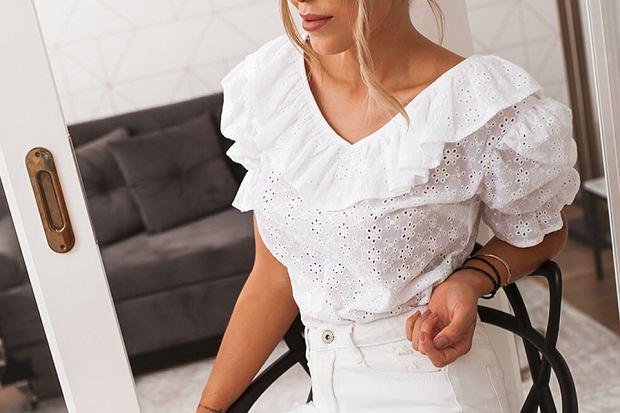 bluzki i sukienki dekolt v