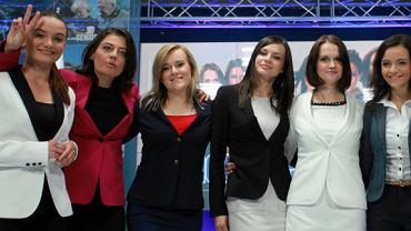 Młode kandydatki PiS na konferencji w Warszawie