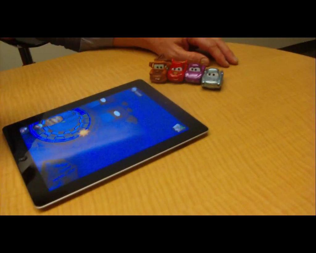 Auta Disneya - resoraki wchodzące w interakcję z iPadem