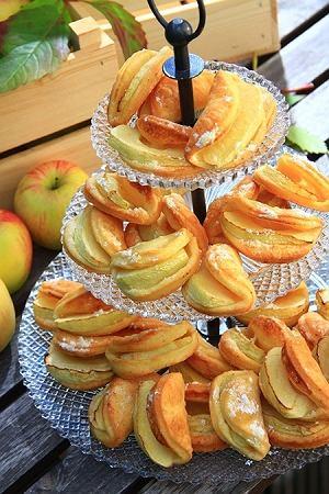 Ciastka półfrancuskie z jabłkami