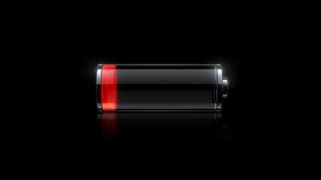 Kończy się bateria w telefonie. Jak się ratować?
