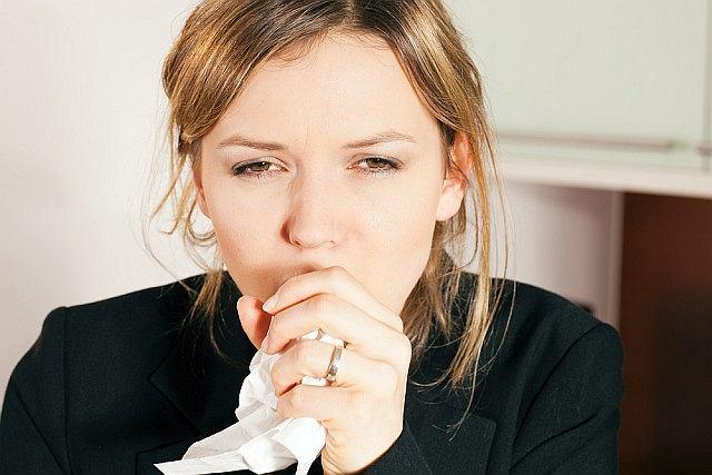 Dzięki temu, że potrafimy kasłać, możemy szybciej uporać się z infekcją.
