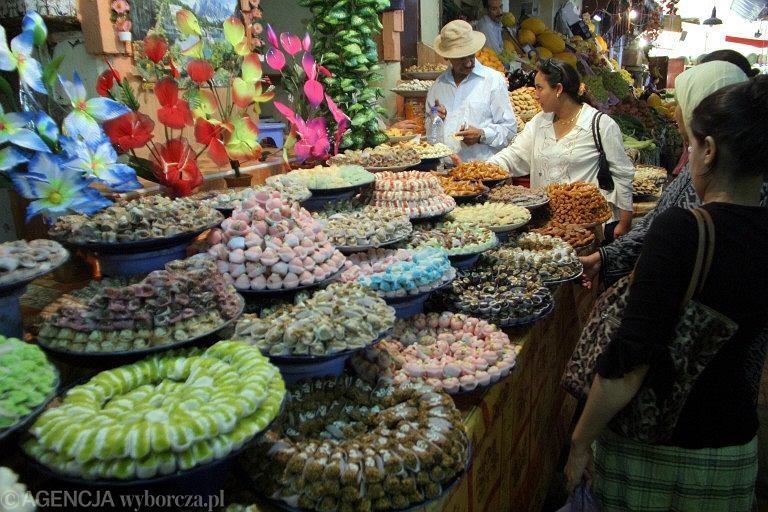 Maroko, Meknes, stoisko z ciastkami