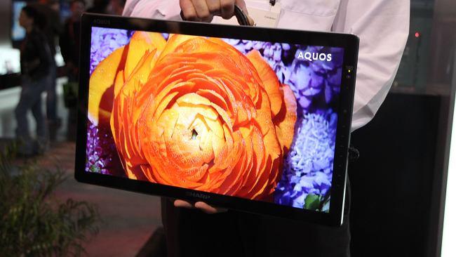 CES 2012: Sharp AQUOS Freestyle - telewizor do walizki