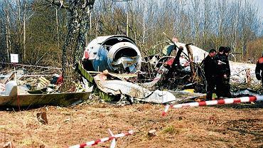 Szczątki samolotu Tu-154M, który rozbił się w Smoleńsku