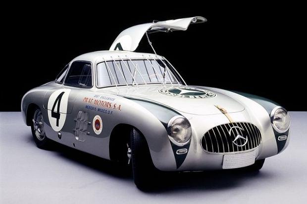Najstarszy Mercedes SL 300 odrestaurowany