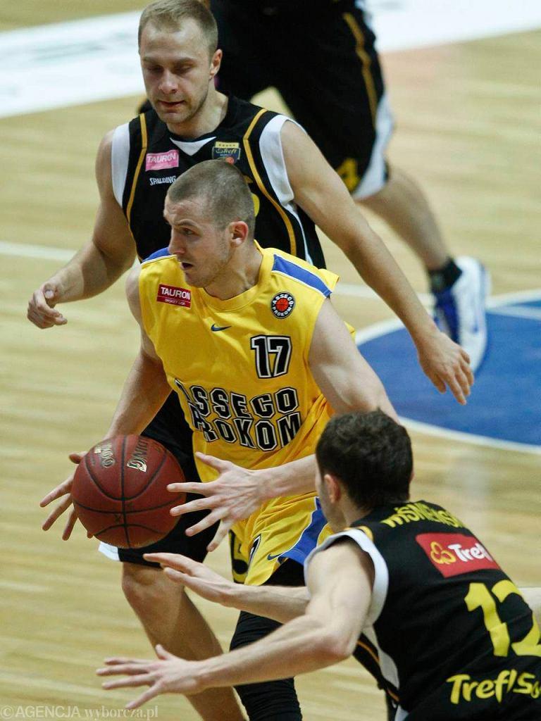 Przemysław Zamojski (z piłką)